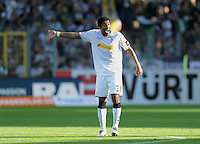 FUSSBALL   1. BUNDESLIGA  SAISON 2011/2012   8. Spieltag   01.10.2011 SC Freiburg - Borussia Moenchengladbach         Dante (Borussia Moenchengladbach) zeigt