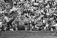 Chicago Bears vs the San Francisco 49ers at Kezar Statium in San Francisco. #40 Gayle Sayers running with the ball., (photo by Ron Riesterer)