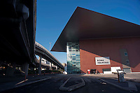 Roma 28 Novembre 2011.Inaugurata la nuova Stazione Tiburtina dell'alta velocità..L'esterno e la tangenziale