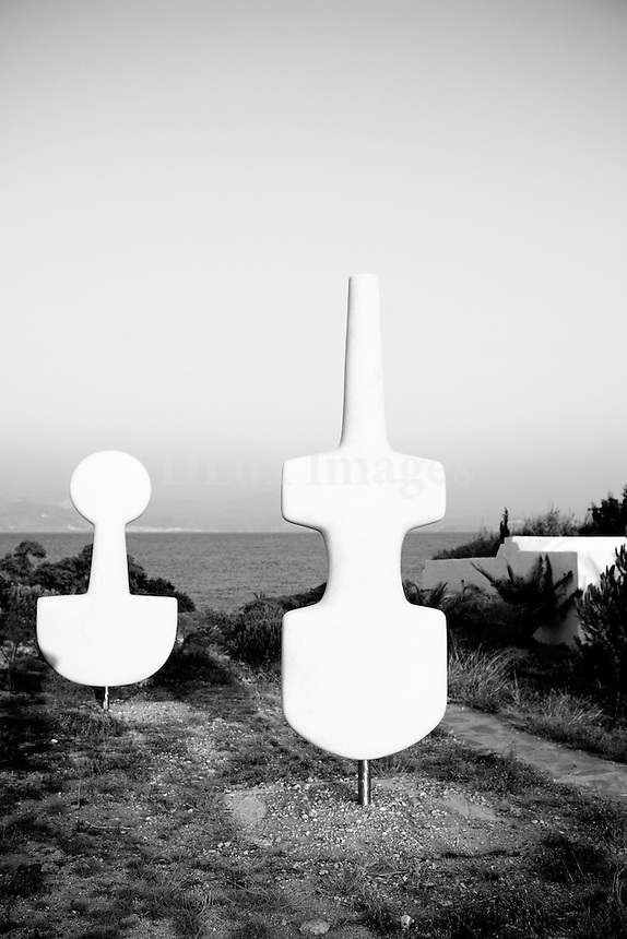 A retreat on the Greek island of  Paros. With the owner's  eclectic taste in art he chose rare sculptures in <br /> <br /> monumental sizes to fit exactly to the landscape where the house is situated. He also decorated the inside with antiquities mixed with custom made paintings and interesting objects from France.