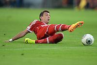 FUSSBALL   1. BUNDESLIGA   SAISON 2013/2014   SUPERCUP Borussia Dortmund - FC Bayern Muenchen           27.07.2013 Mario Mandzukic (FC Bayern Muenchen) Einzelaktion am Ball