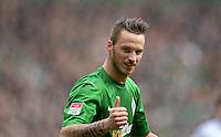 FUSSBALL   1. BUNDESLIGA   SAISON 2012/2013    28. SPIELTAG SV Werder Bremen - FC Schalke 04                          06.04.2013 Daumen hoch: Marko Arnautovic (SV Werder Bremen)