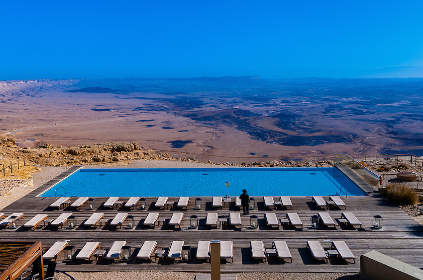 Swimming pool beresheet hotel mitzpe ramon negev desert israel blaine harrington iii for Hotels in jerusalem with swimming pool