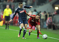 FUSSBALL   1. BUNDESLIGA  SAISON 2011/2012   17. Spieltag FC Bayern Muenchen - 1. FC Koeln       16.12.2011 Christian Clemens (li, 1. FC Koeln) gegen Franck Ribery (FC Bayern Muenchen)