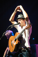 American Grammy-nominated singer-songwriter Jason Mraz plays to a sold out crowd, Saturday, Nov. 8th, 2008, at The Center for Performing Arts in Vancouver. (Scott Alexander/pressphotointl.com)