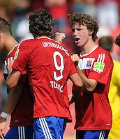 FUSSBALL   DFB POKAL   SAISON 2011/2012  1. Hauptrunde SpVgg Unterhaching - SC Freiburg             31.07.2011 Jubel Mijo Tunjic, Patrick Ziegler (v. li., Unterhaching)