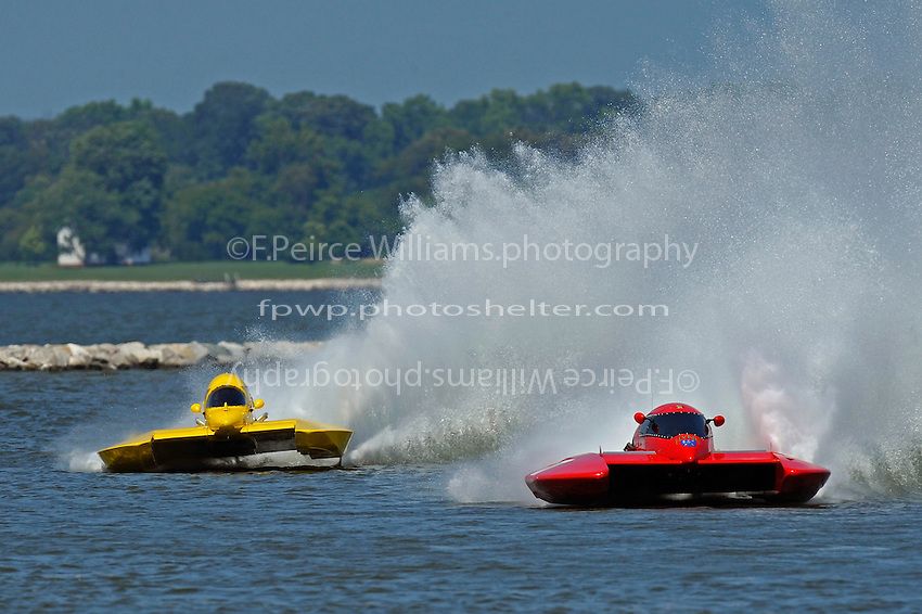 "Brandon Kennedy, E-30 ""Budget Buster"" chases down Kelly Shane, E-77 (5 Litre class hydroplane(s)"