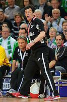 Trainer Velimir Petkovic (FAG) verfolgt erregt das Spiel von der Seitenlinie