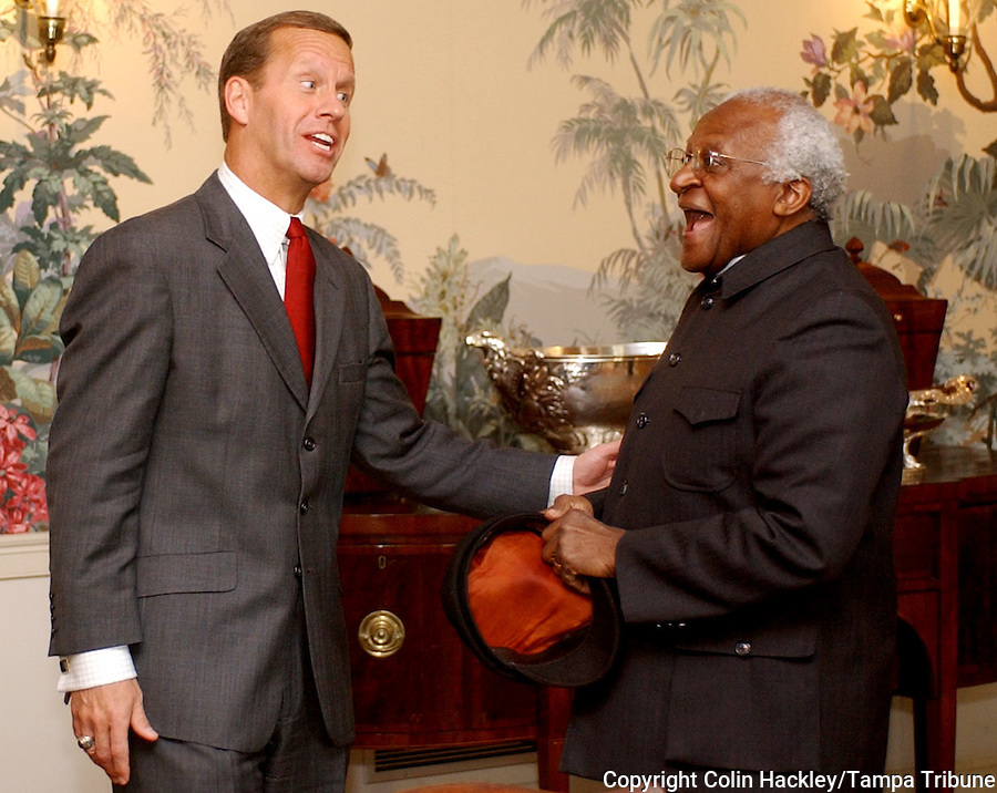 TALLAHASSEE, FL. 2/18/03-Archbishop Desmond Tutu meets with Lt. Gov. Frank Brogan during a visit to the Governor's Mansion Tuesday in Tallahassee. Tutu, who won the Nobel Peace Prize in 1984 for his work to bring racial justice to South Africa, was in Tallahassee to speak at the Florida Conference of Black State Legislators Black History Month celebration. COLIN HACKLEY PHOTO