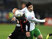 FUSSBALL   1. BUNDESLIGA  SAISON 2011/2012   10. Spieltag FC Augsburg - SV Werder Bremen           21.10.2011 Tobias Werner (li, FC Augsburg) gegen Mehmet Ekici (SV Werder Bremen)