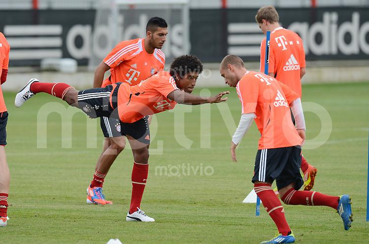 FUSSBALL  1. BUNDESLIGA   SAISON  2012/2013   Trainingsauftakt beim FC Bayern Muenchen 03.07.2012 Dante (Mitte, FC Bayern Muenchen)