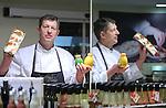 Foto: VidiPhoto<br /> <br /> MAARTENSDIJK - Landwaart Culinair in het Utrechtse Maartensdijk. Eigenaar Wim Landwaart (foto) is de beste groenteman van Nederland 2012-2013. Het bedrijf valt regelmatig in de prijzen. Naast groenten en fruit, maakt en verkoopt Landwaart ook salades.