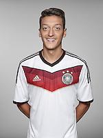 FUSSBALL   PORTRAIT TERMIN DEUTSCHE NATIONALMANNSCHAFT 24.05.2014 Mesut Oezil (Deutschland)