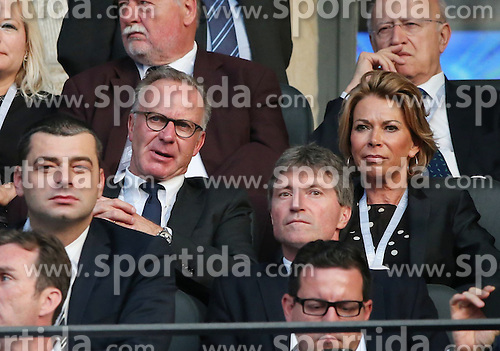 06.06.2015, Olympia Stadion, Berlin, GER, UEFA CL, Juventus Turin vs FC Barcelona, Finale, im Bild Karlheinz Rummenigge mit Ehefrau Martina // during the UEFA Champions League final match between Juventus FC and Barcelona FC at the Olympia Stadion in Berlin, Germany on 2015/06/06. EXPA Pictures &copy; 2015, PhotoCredit: EXPA/ Eibner-Pressefoto/ Sch&uuml;ler<br /> <br /> *****ATTENTION - OUT of GER*****