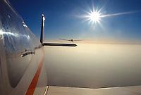 Motorsegler: EUROPA, DEUTSCHLAND, HAMBURG, (GERMANY), 09.12.2014: Motorsegler, zwei Scheibe Falken ueber den Wolken im Verbandsflug