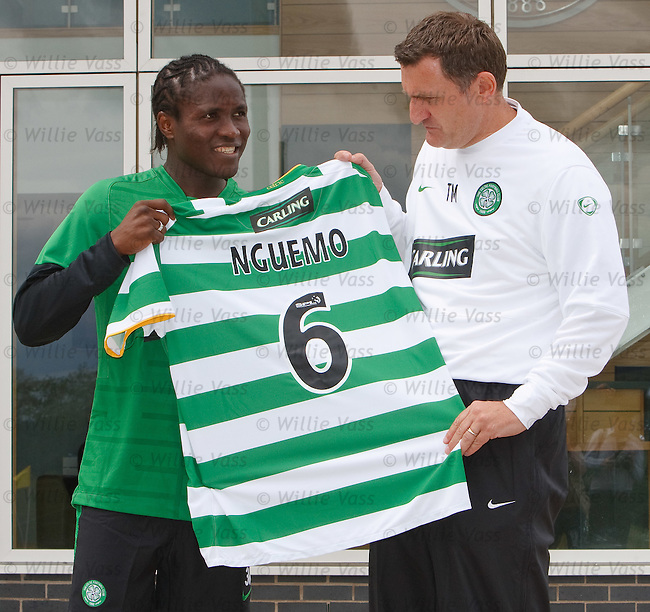 Frenchman Landry Nguemo signs on at Celtic with a 12 month load deal from AS Nancy and is greeted by Tony Mowbray