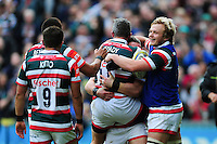 Tom Brady of Leicester Tigers celebrates his try with team-mates. Aviva Premiership match, between Leicester Tigers and Worcester Warriors on October 8, 2016 at Welford Road in Leicester, England. Photo by: Patrick Khachfe / JMP
