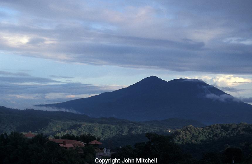 Masaya Volcano in the Parque Nacional Vulcan Masaya. Nicaragua