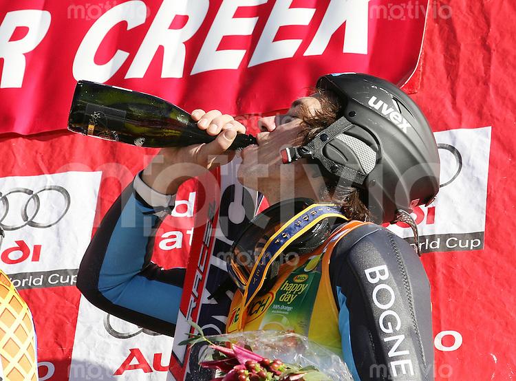 Ski Alpin; Saison 2006/2007  Slalom Herren JUBEL, Felix Neureuther (GER,re) belegt Platz 3. mit schluck aus der Champagner Flasche des Siegers Andre Myhrer (SWE)