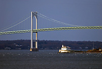 Rhode Island, Newport Bridge, Rose Island Lighthouse