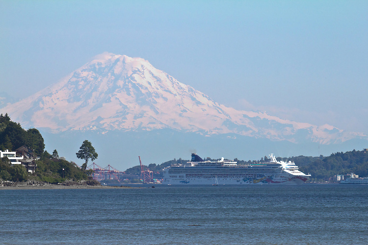 how to get from seattle to vancouver cruise port