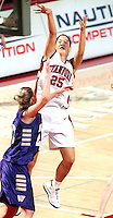 STANFORD, CA - FEBRUARY 26: Lindsey Yamasaki of the Stanford Cardinal during Stanford's 78-73 win over the Washington Huskies on February 26, 2000 at Maples Pavilion in Stanford, California.