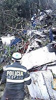 LA UNION -COLOMBIA-29-11-2016. Aspecto del sitio de la tragedia del avi&oacute;n de la compa&ntilde;ia Lamia Corporation de Bolivia que transportaba al equipo Chapecoense de Brasil y el cual perdieron la vida 76 personas y 6 sorevivientes. El siniestro ocurri&oacute; en el cerro El Gordo, municipio de La Uni&oacute;n Antioquia  / Aspect of the site of the tragedy of the airplane of the company Lamia Corporation of Bolivia that transported Chapecoense team. 76 people lost and 6 survivors. The airplane crash happened at El Gordo mountain in La Union, Antioquia. Photo: VizzorImage/ Policia Antioquia<br /> NOTA: THE IMAGE WAS PROVIDED BY ANTIOQUIA POLICE  PRESS SERVICE. NO SALES, NO MARKETING,  COMPULSORY CREDIT<br /> M&Aacute;XIMA RESOLUCI&Oacute;N POSIBLE