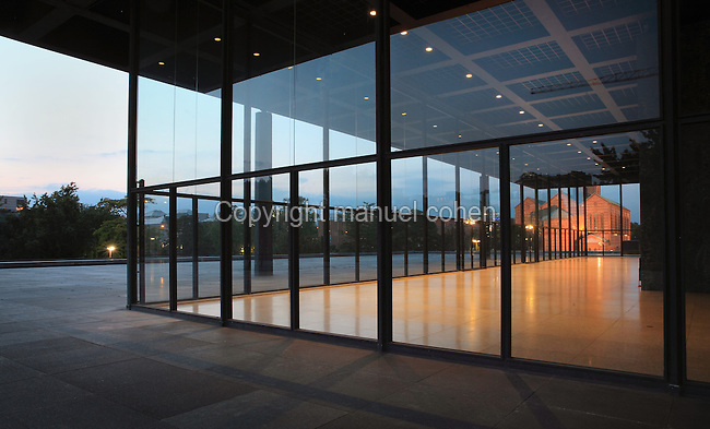 neue nationalgalerie and st matthaus kirche berlin germany manuel cohen. Black Bedroom Furniture Sets. Home Design Ideas