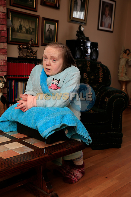 Lisa O'Malley and her father Stephen, at there home in Drogheda.<br /> Picture Fran Caffrey | Newsfile.ie