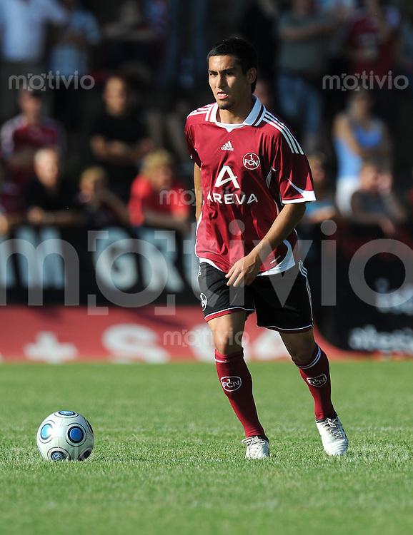 FUSSBALL     1. BUNDESLIGA     SAISON 2009/2010     05.07.2009 Testspiel DJK Weingarts - 1 FC Nuernberg  Einzelaktion Ilkay Guendogan  ( 1 FC Nuernberg)