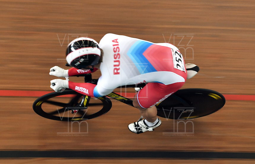 CALI – COLOMBIA – 19-02-2017: Alexandr Vasyukhno de Rusia en la prueba de clasificación del Kilometro hombres en el Velodromo Alcides Nieto Patiño, sede de la III Valida de la Copa Mundo UCI de Pista de Cali 2017. / Alexandr Vasyukhno from Russia in Men's Kilometer Classification Race at the Alcides Nieto Patiño Velodrome, home of the III Valid of the World Cup UCI de Cali Track 2017. Photo: VizzorImage / Luis Ramirez / Staff.