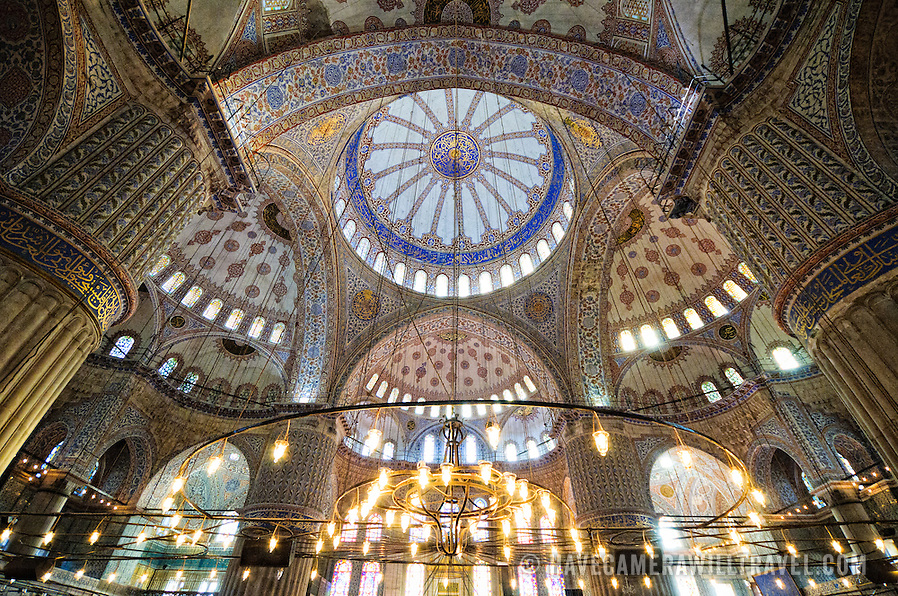 Interior-of-the-Blue-Mosque-Sultan-Ahmed
