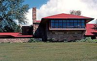 F.L. Wright: Taliesen Studio.  Photo '77.