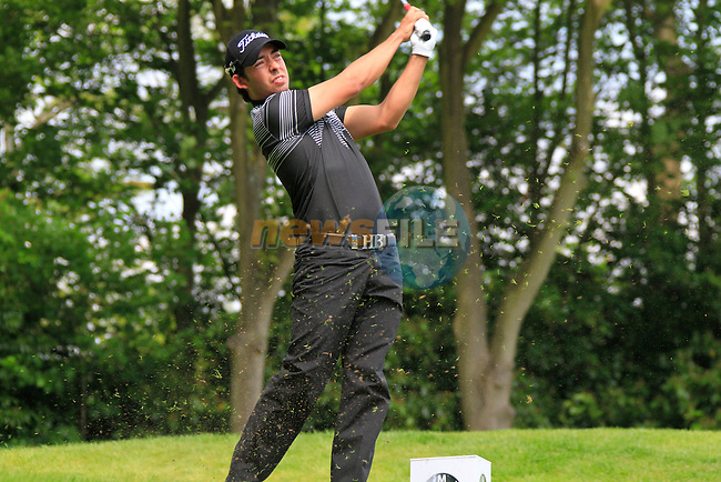 Pablo Larrazabal tees off on the par 3 2nd hole during Round 2 of the BMW PGA Championship at  Wentworth, Surrey, England...Photo Golffile/Eoin Clarke.(Photo credit should read Eoin Clarke www.golffile.ie)....This Picture has been sent you under the condtions enclosed by:.Newsfile Ltd..The Studio,.Millmount Abbey,.Drogheda,.Co Meath..Ireland..Tel: +353(0)41-9871240.Fax: +353(0)41-9871260.GSM: +353(0)86-2500958.email: pictures@newsfile.ie.www.newsfile.ie.