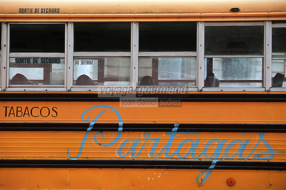 Cuba/La Havane: Détail d'un bus fabrique de cigares Fabrica Partagas, Casa del Habano, Calle Industria N°520, Habana Vieja