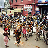 Haridwar 11-13.02.2010 India..The Maha (Great) Kumbh Mela in Haridwar. Pilgrims and Sadhus in great number from around India visit here to bath at the banks of the river Ganges. They belive that a holy dip in sacred river during Maha Kumbh takes human out of the circle of life and death. Sadhus..photo Maciej Jeziorek/Napoimages..Haridwar 12.02.2010 Indie.Kumbh Mela ( Swieto Dzbana ). Pielgrzymi i Sadhu ( Swieci - hinduscy wedrowni asceci) przybywaja tu zanurzyc sie w Gangesie. Wierza oni, ze pozwoli im to wyrwac sie z cyklu narodzin i smierci..fot. Maciej Jeziorek/Napoimages.