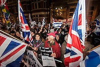 Protests over the bombing of the Gaza strip by Israel at the Israeli Embassy, Kensignton London 15-11-12 there was also a smaller protest by Zionist supporters of Israel.