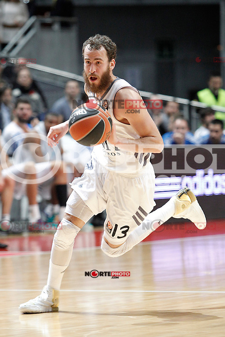 Basket Real Madrid´s Rodriguez during Euroleague Basketball match in Palacio de los Deportes stadium in Madrid, Spain. January 15, 2014. (ALTERPHOTOS/Victor Blanco)