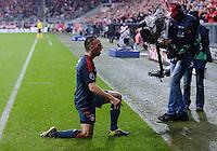 FUSSBALL   CHAMPIONS LEAGUE   SAISON 2013/2014   Vorrunde FC Bayern Muenchen - FC Viktoria Pilsen       23.10.2013 JUBEL FC Bayern Muenchen: Torschuetze Franck Ribery (FC Bayern Muenchen) auf den Knien