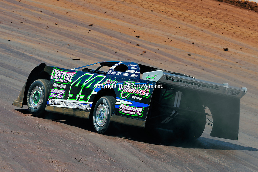 Circle k colossal 100 dirt track lowes motor speedway for Lowe s motor speedway