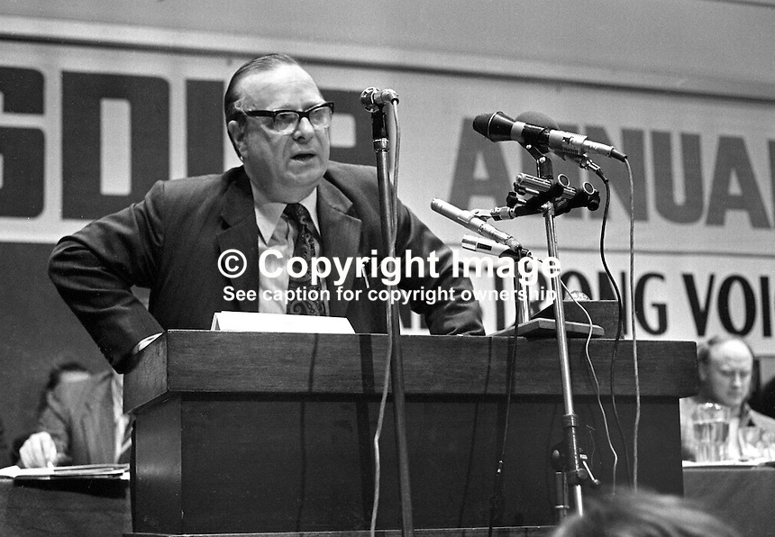Gerry Fitt, leader, SDLP, Social Democratic &amp; Labour Party, N Ireland, UK, speaking at his party's annual conference, Europa Hotel, Belfast, 197501000098GF3<br /> <br /> Copyright Image from Victor Patterson, 54 Dorchester Park, Belfast, UK, BT9 6RJ<br /> <br /> t: +44 28 90661296<br /> m: +44 7802 353836<br /> vm: +44 20 88167153<br /> e1: victorpatterson@me.com<br /> e2: victorpatterson@gmail.com<br /> <br /> For my Terms and Conditions of Use go to www.victorpatterson.com
