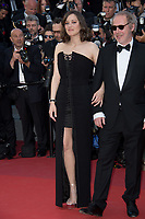 Marion Cotillard &amp; Arnaud Desplechin at the premiere for &quot;Ismael's Ghosts&quot; at the opening ceremony of the 70th Festival de Cannes, Cannes, France. 17 May 2017<br /> Picture: Paul Smith/Featureflash/SilverHub 0208 004 5359 sales@silverhubmedia.com
