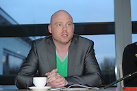SPORTEN: FRYSLAN: Henk Schievink, Bestuurslid PR / Marketing & Communicatie bij Frysk Ljeppers Boun, Fierljeppen FLB vergadering Westhem, 15-04-2013, ©foto Martin de Jong