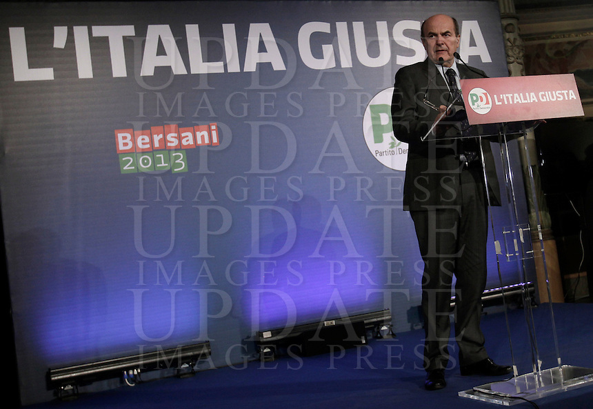Il segretario del Partito Democratico Pierluigi Bersani tiene una conferenza stampa sui risultati delle elezioni politiche nazionali e regionali, a Roma, 26 febbraio 2013..Italian center-left Democratic Party's leader Pierluigi Bersani attends a press conference on political and local elections results in Rome, 26 February 2013..UPDATE IMAGES PRESS/Isabella Bonotto