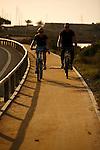 En bicicleta por las Salinas de San Pedro del Pinatar.