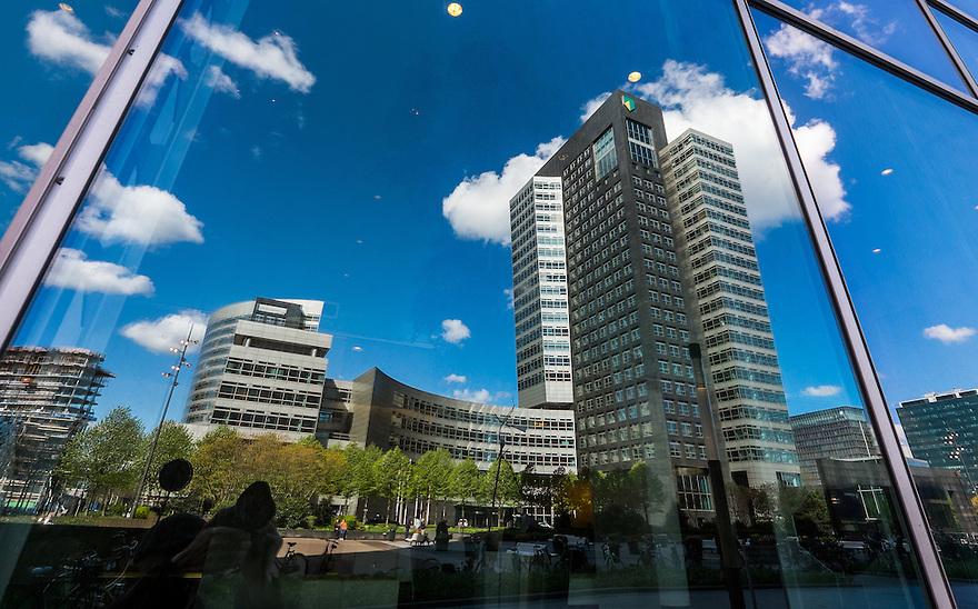Nederland, Amsterdam, 30 april 2015<br /> Hoofdkantoor van AbnAmrobank op de zakencentrum Zuidas. <br /> <br /> Foto: Michiel Wijnbergh