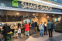 A brand new Shake Shack restaurant located in Pennsylvania Station in New York on Monday, December 5, 2016. The burger purveyor is planning to install mobile ordering in this branch enabling commuters to order on their train and pick it up upon disembarking. ( © Richard B. Levine)