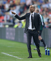 FUSSBALL  SUPERCUP  FINALE  2013  in Prag    FC Bayern Muenchen - FC Chelsea London          30.08.2013 Trainer Pep Guardiola (FC Bayern Muenchen) engagiert an der Seitenlinie