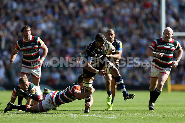 Taulupe Faletau of Bath Rugby goes on the attack. The Clash, Aviva Premiership match, between Bath Rugby and Leicester Tigers on April 8, 2017 at Twickenham Stadium in London, England. Photo by: Rogan Thomson / JMP for Onside Images