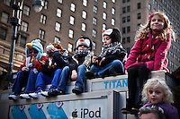 New Yorkers attend the 86th Macy's Thanksgiving Day Parade New York, United States. 22/11/2012. Photo by Kena Betancur/VIEWpress.